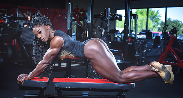 IFBB Physique Pro body builder Basia Everett-Annett