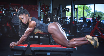 IFBB Physique Pro body builder Basia Everett-Annett