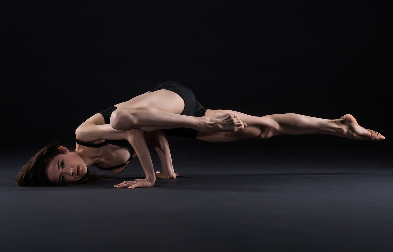 Dancer: Laurie Deziel,  Martha Graham Dance Company