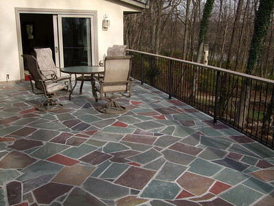 "Multicolor Valley Run Irregular 19"" Flagstone"