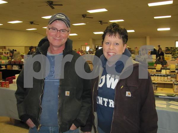 Todd and Pam Beehrle were browsing among the items at the flea market.