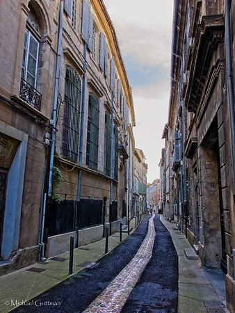 The Narrow Streets of Avignon