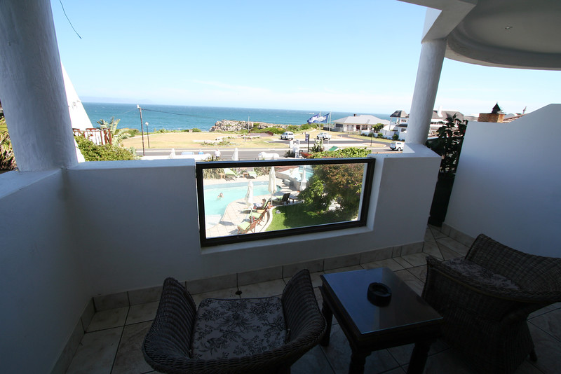 20121116-safrica-hermanus-hotel-misty-waves (10)