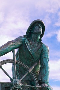 Statue in Gloucester Closeup