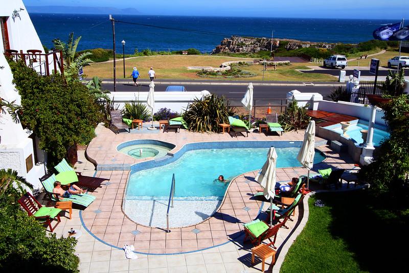 20121116-safrica-hermanus-hotel-misty-waves (11)
