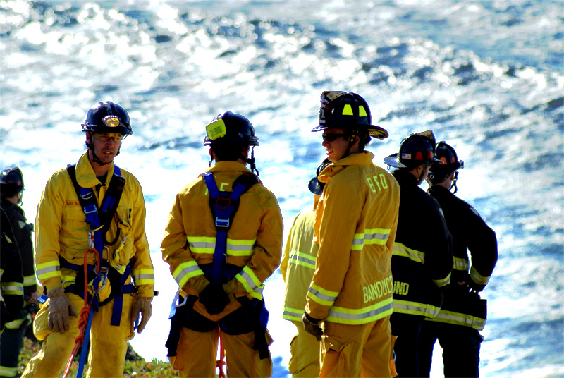 """Waiting  The firemen in harness were waiting to climb down the cliff.  Update: our local paper's report: <a href=""""http://www.pacificatribune.com/localnews/ci_8185262"""">www.pacificatribune.com/localnews/ci_8185262</a>"""