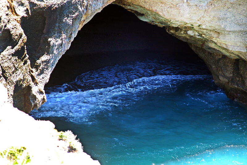 Snapper Point cave_5345000427_o