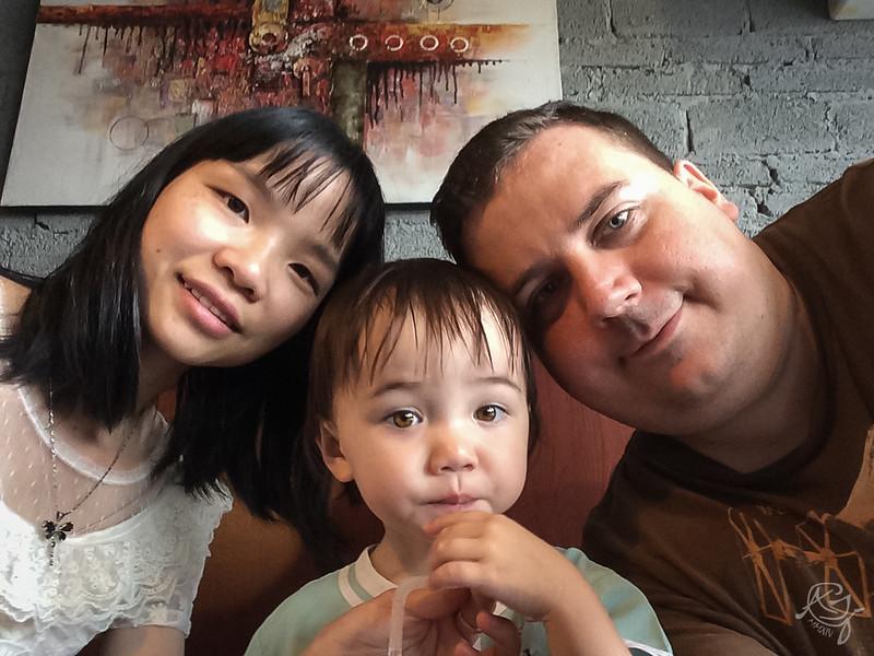 Family Selfie (2014-05-20_4422)