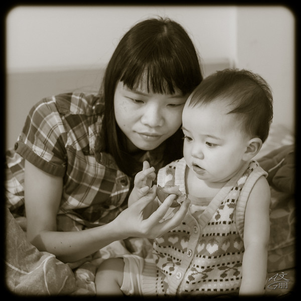 PJ & Mommy (2013-05-28_1663)
