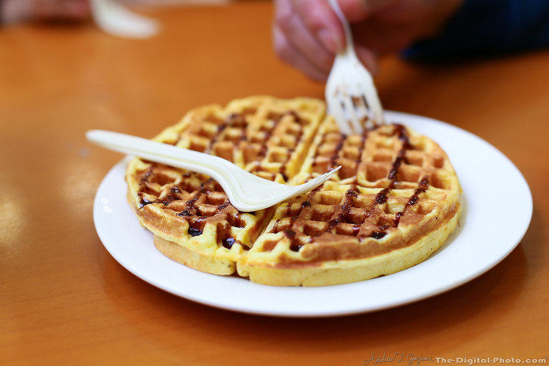 Fresh made waffle from MT Love Cafe in Shaoguan China (2013-11-14_4834)