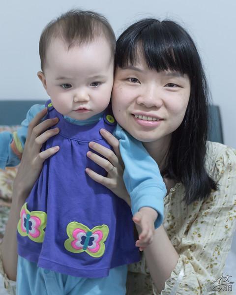 Mum & BB (2013-05-07_1132)