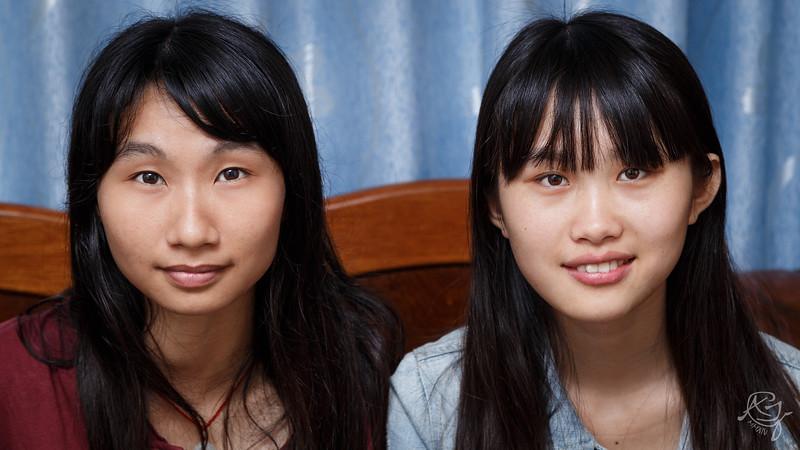 Two Pretty Girls (2014-05-18_9510)