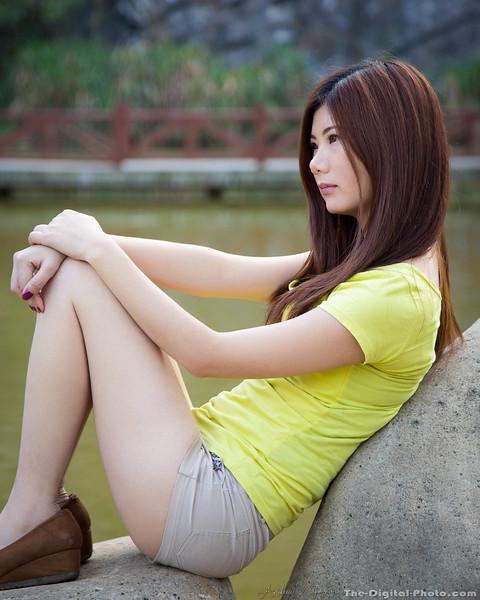 Sitting on a rock (2013-10-31_3532)
