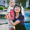 Peggy & Mommy at Fountain (2013-09-09_0032)