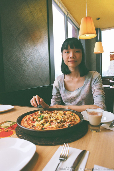 Pizza Portrait with my Wife (2013-11-04_97430023)