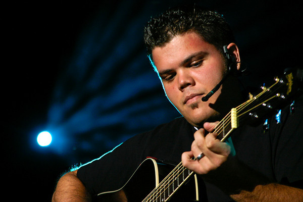 Jeremy Osmond on Guitar