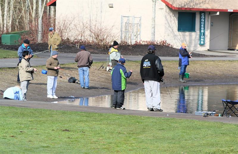 Winter fishing at Klineline Pond