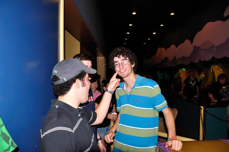 DisneyDay1_20090706_479__