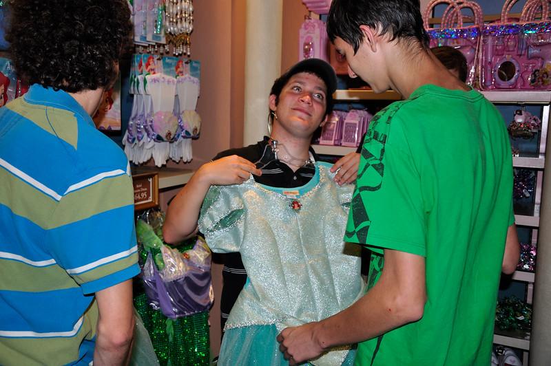 DisneyDay1_20090706_497__