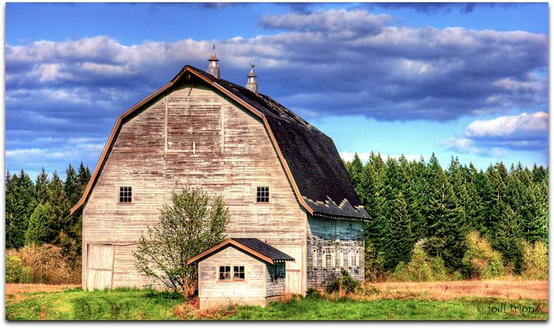 barn blue sky 2.jpg
