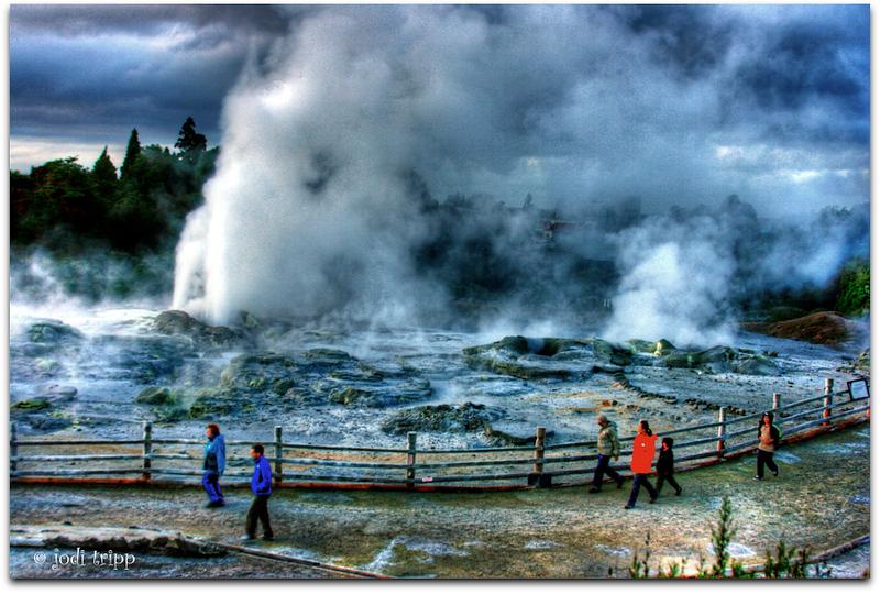 waikorohihi geyser.jpg