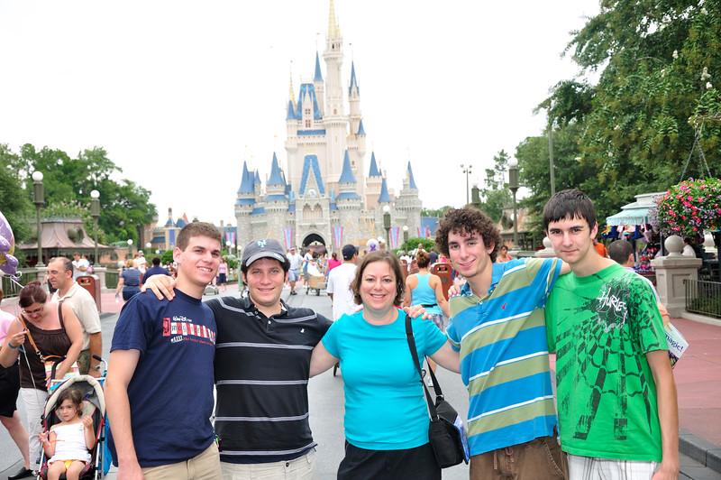 DisneyDay1_20090706_281__0032