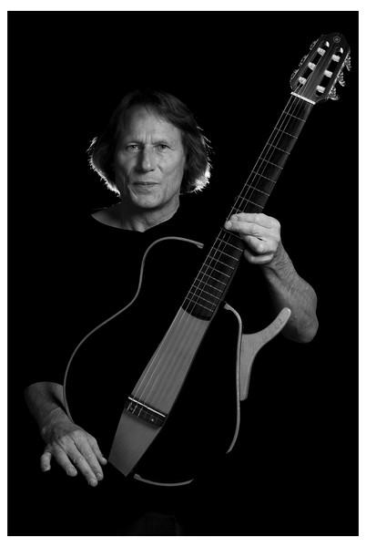 Reinhard Simon - Guitarrista