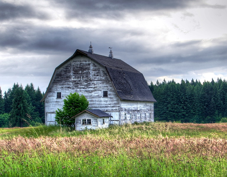Barn on 50th in HDR
