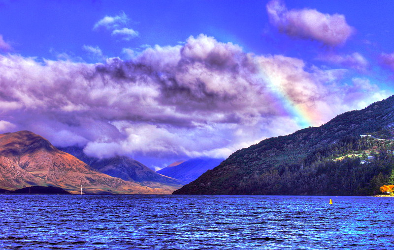 Lake at Queenstown (rainbow).jpg