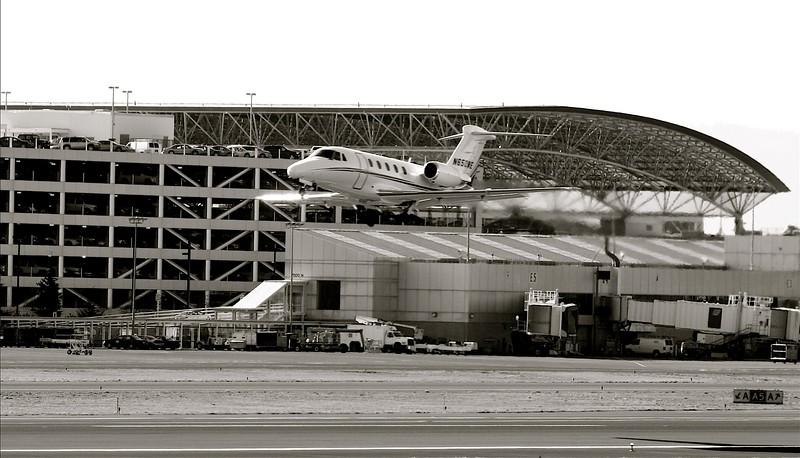 flight taking off at PDX