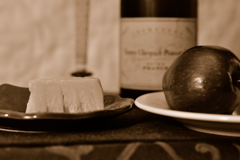 Apple_Cheese_Sepia