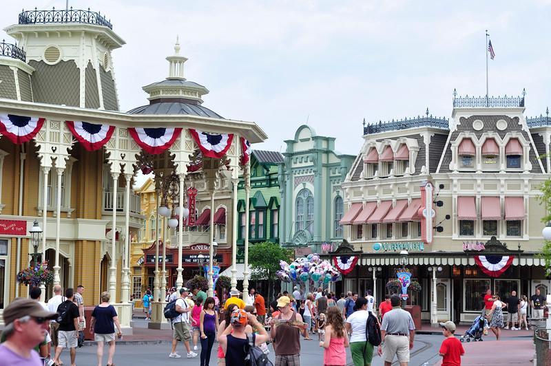 DisneyDay1_20090706_270__