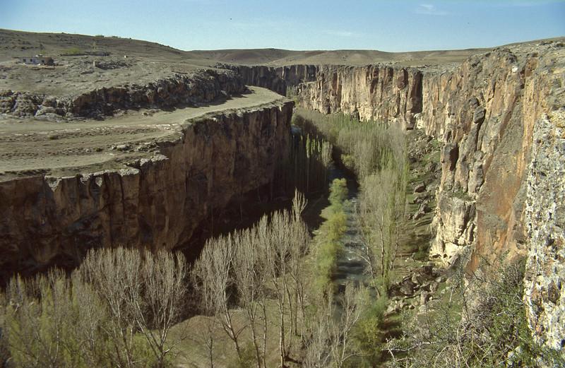 Ihlara valley, Aksaray-Ihlara-Nevsehir (51-78 and 51-01)