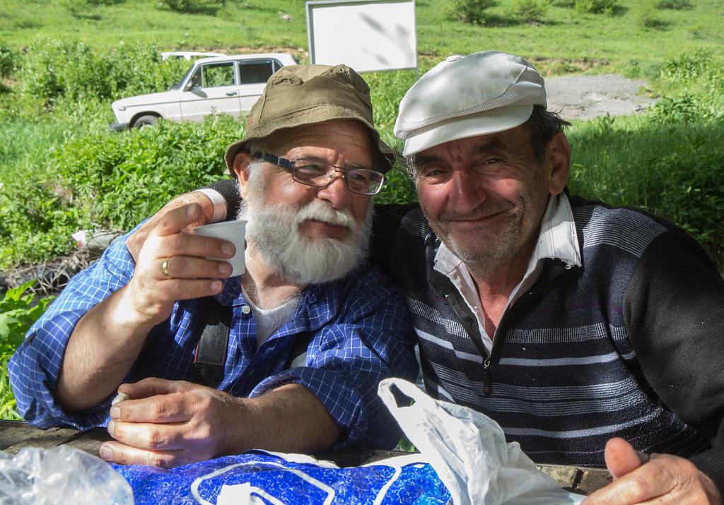 Harrie drinks Wodka with an Armenian friend
