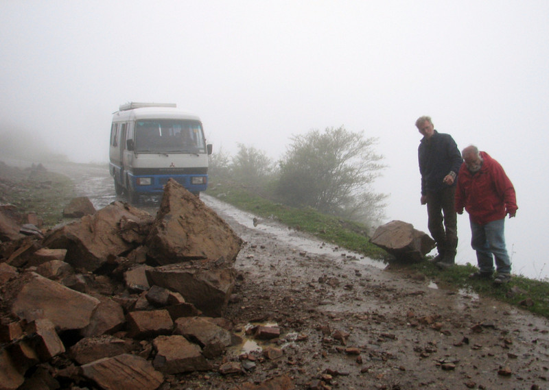 landslides after heavy rainfall, Harrie and Sicco are removing the stones (Iran, Gilan, Elburz mountains, pass, SE of Masuleh 2200m )(6)