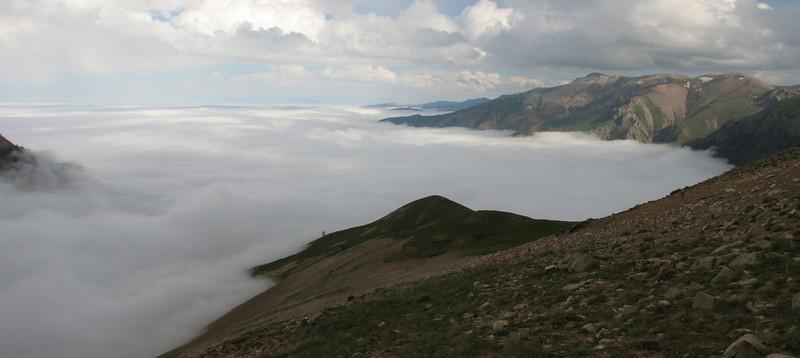 clouds from the Caspian Sea, Iran, Gilan, Elburz mountains, pass, SE of Masuleh 2200m (6)