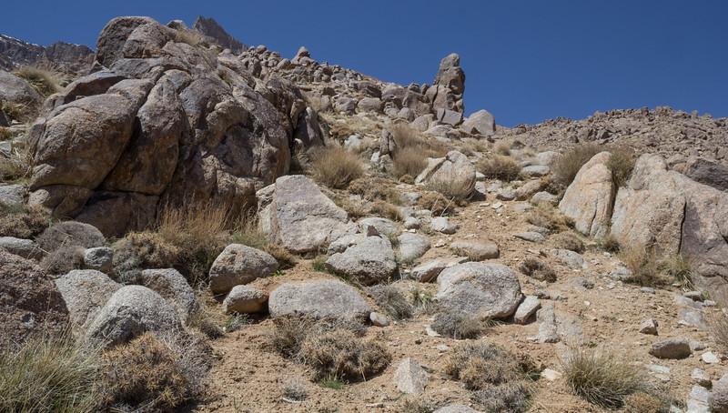 <3000m = Granite rocks and bolders