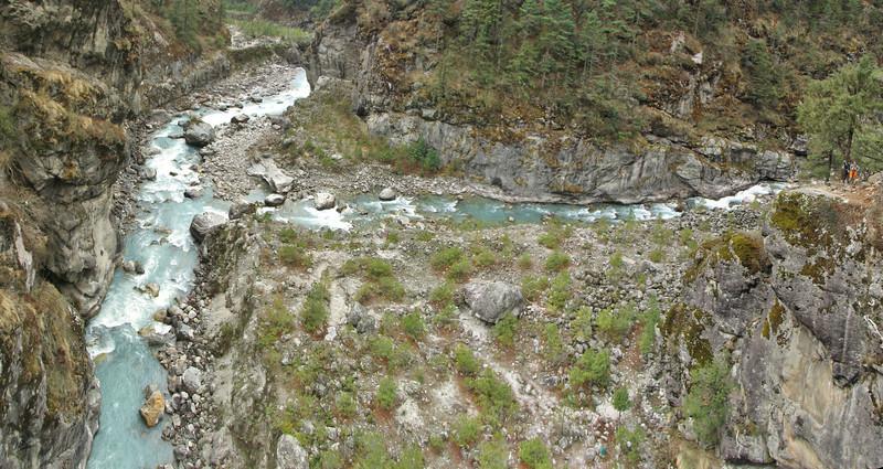 Junction Dudh Kosi and Kyashar Drangka, Monjo 2900m-Namche Bazaar-Tengboche-Deboche 3630m