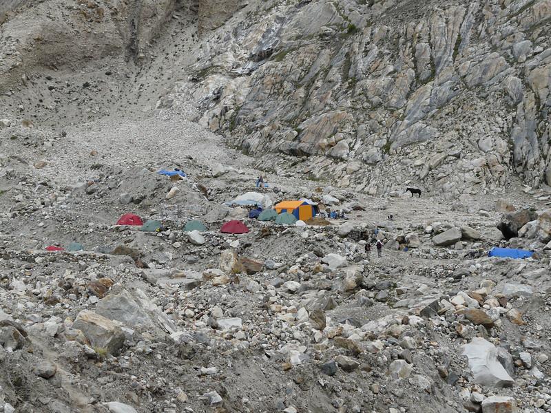 Khobursai camp 3950m.