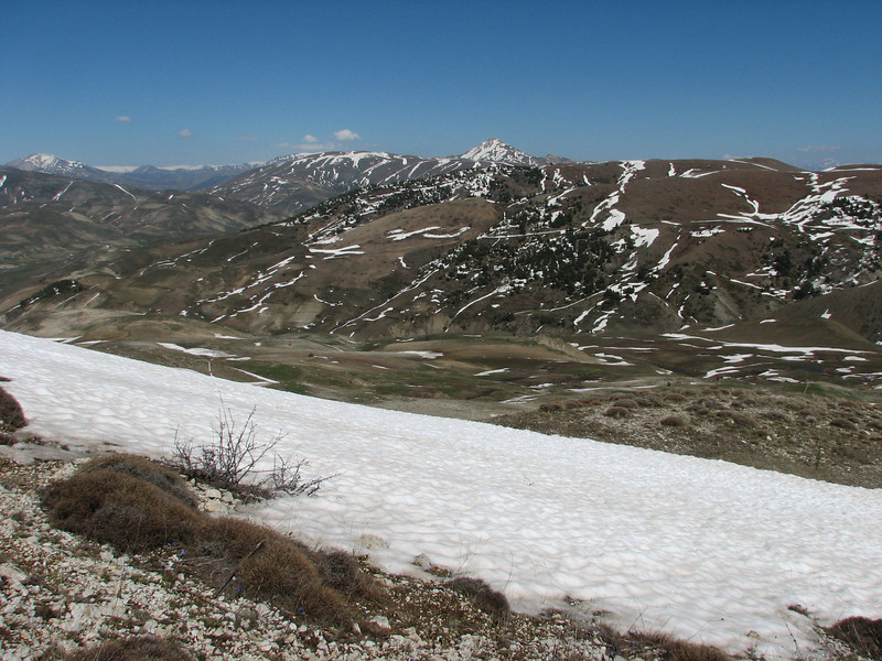near Kopdagi Gecidi pass 2000m.