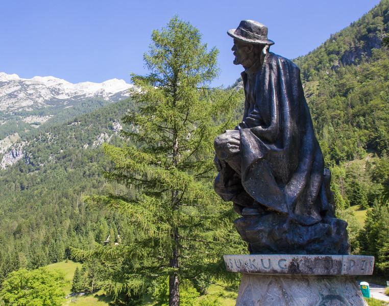 Stature of Julius Kugy