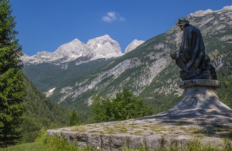 Stature of Julius Kugy with Mount Goličica 2108m