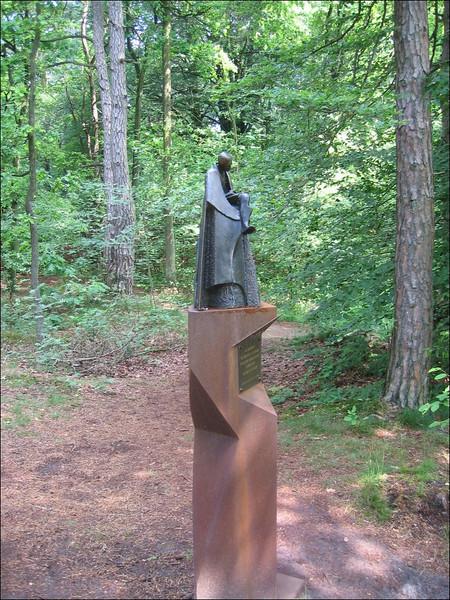 Statue for Victor Westhoff (NL: het Springendal Overijsel)
