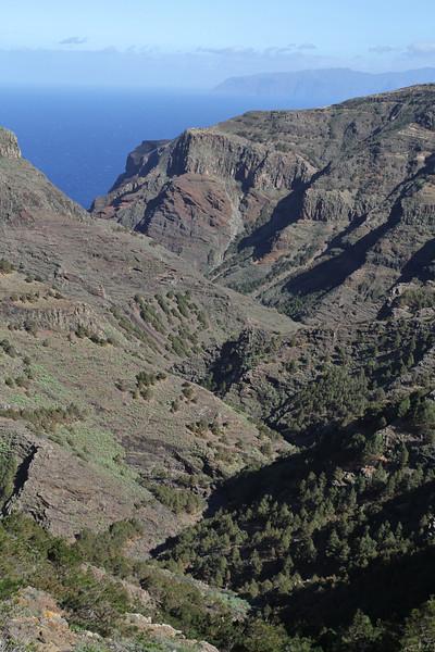 Valle Abajo, 620m, 4x4 road E of Enchereda 1065m