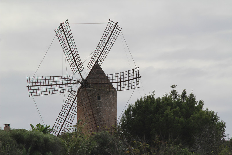 Windmill, Felanitx.  More photos of cultural interest see gallery TRIPS on this site.