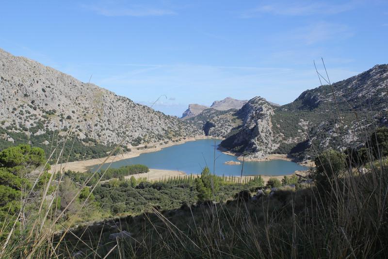 Pantà dés Gorg Blau, Pantà dés Cúber 650m - GR 221 - Masanella 1365m