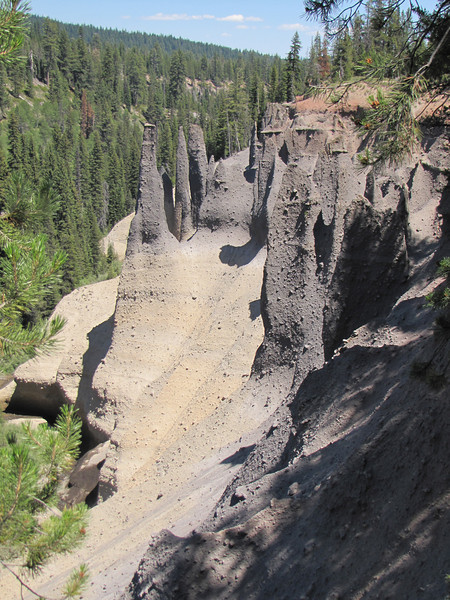the Pinnacles, erosion patterns, Crater Lake National Park