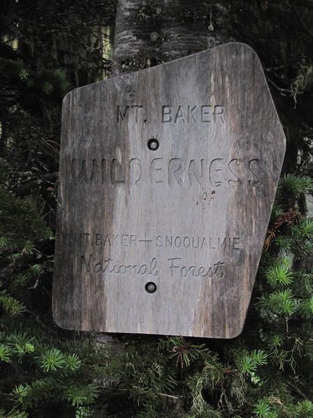 Sign (Between trailhead Skyline Divide Trail and Skyline Divide Trail, near Mount Baker, Washington)