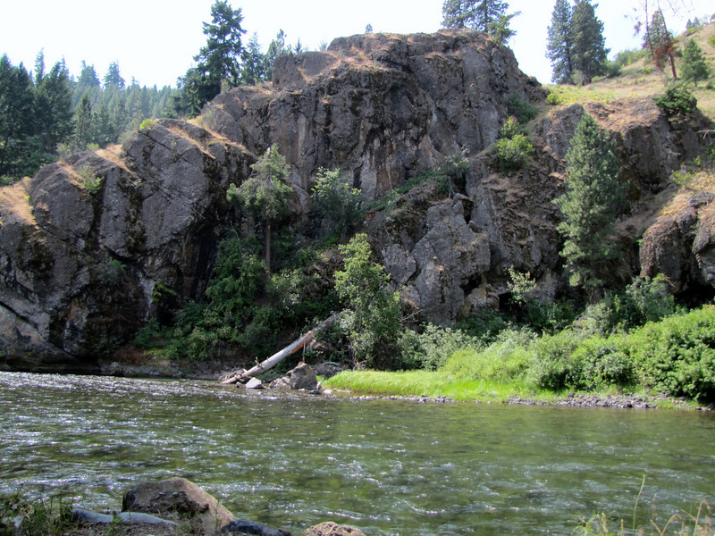 Naches river, campground Squaw Rock Resort, SE of Cliffdell (road 410) Wenatchee National Forest