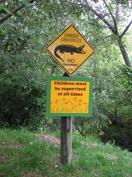 Notice crocodiles (California)